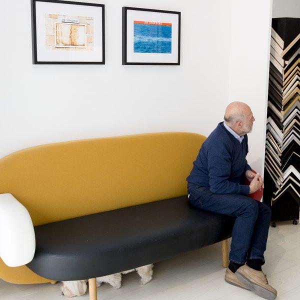 fotos de alvaro trabanco y jose paredes en sofa